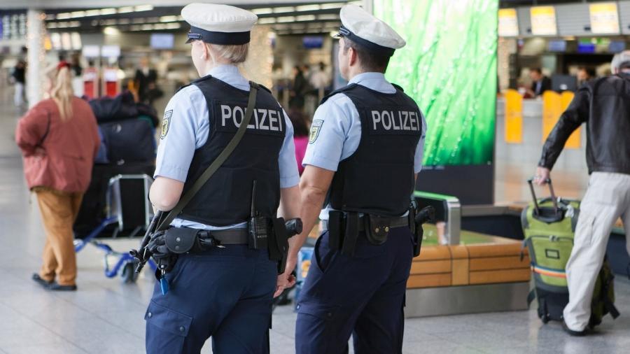 """A polícia alemã está procurando os alunos """"fujões"""" no aeroporto da Baviera - Getty Images"""