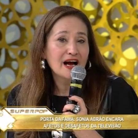 """Sônia Abrão no """"Superpop"""" - Reprodução/ Rede TV"""