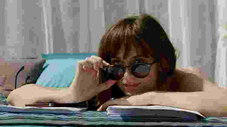 """Dakota Johnson em cena de """"Cinquenta Tons de Liberdade"""" - Reprodução - Reprodução"""