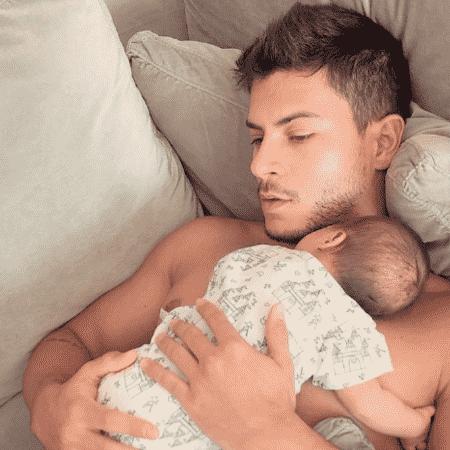 Arthur Aguiar com a filha, Sophia - Reprodução/Instagram