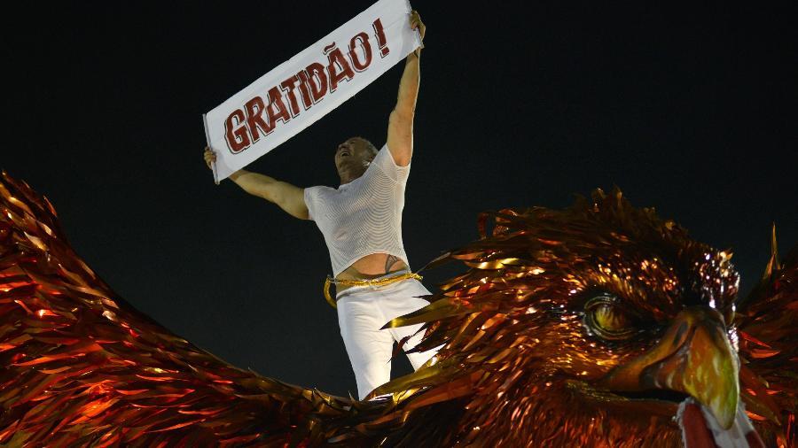 Paulo Barros no desfile da Viradouro - Lucas Landau/UOL