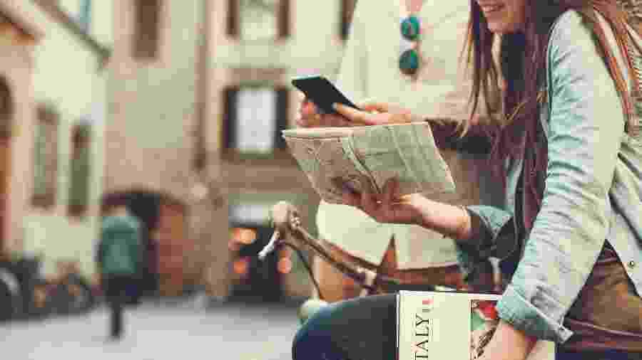 Apps podem substituir produtos físicos que usávamos em viagens - Getty Images