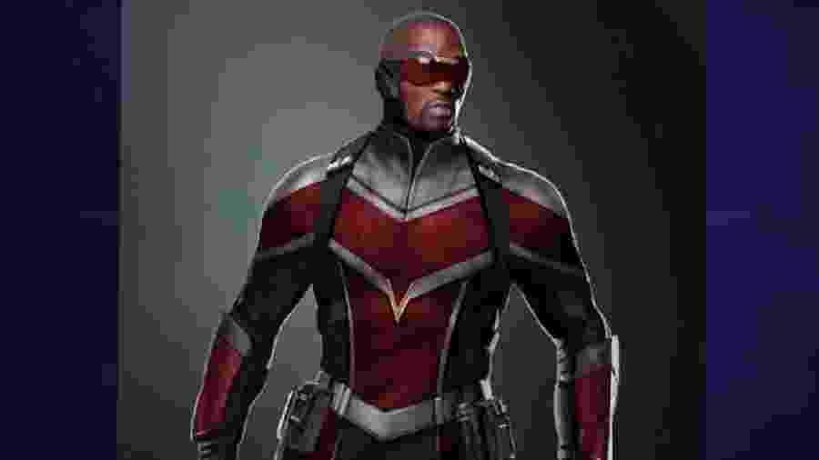 O uniforme do Falcão é muito parecido com o que foi apresentado nos filmes - Reprodução/Marvel
