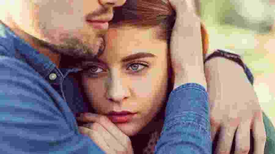 Namorado protetor ou relacionamento abusivo? - iStock