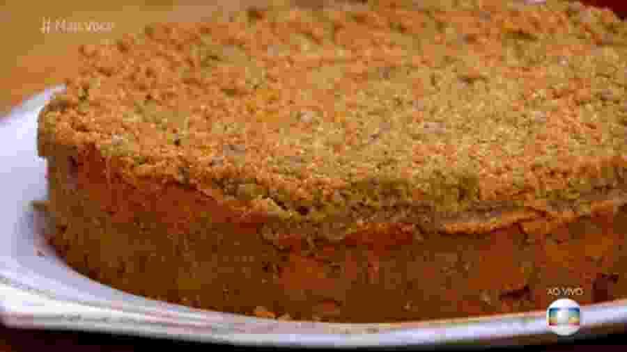 Ana Maria Braga mostra como fazer um bolo de maça com casca crocante - Reprodução/TV Globo