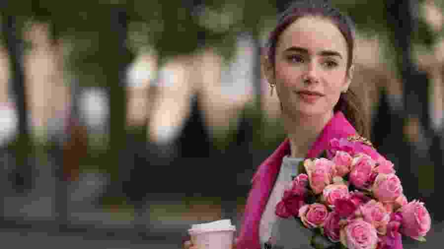 """Lily Collins é protagonista e produtora da série """"Emily in Paris"""" - STEPHANIE BRANCHU/NETFLIX"""