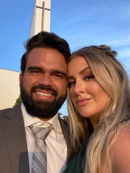 Patrícia Leitte e o noivo, Lucas Teixeira - Reprodução/Instagram