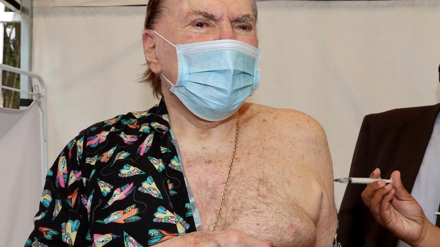 Silvio Santos recebe segunda dose da vacina contra a covid-19 - Manuela Scarpa/Brazil News