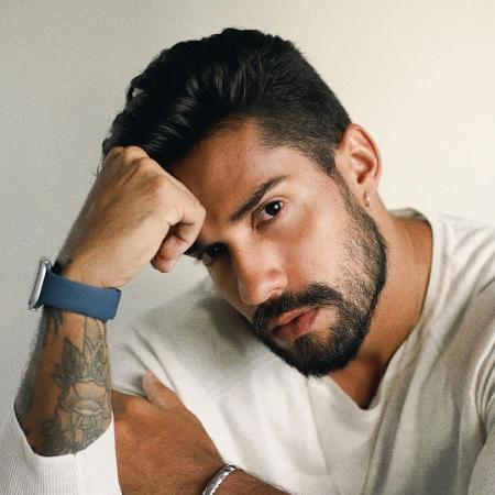 Bil Araújo, ex-BBB, atual descamisado, sempre calado - Reprodução Instagram