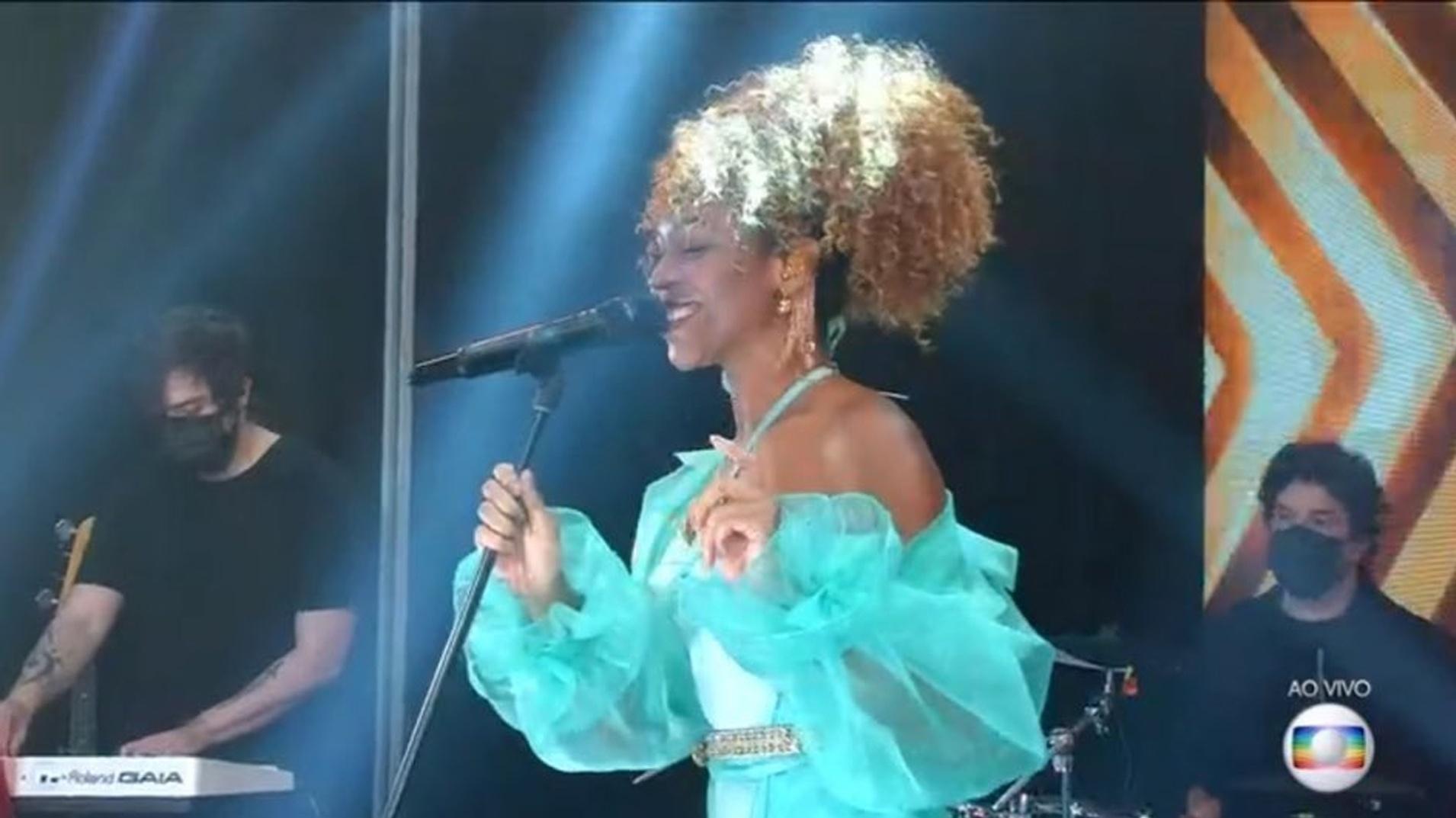 BBB 21: Karol Conká si esibisce nella finale BBB - Clone / Globoplay