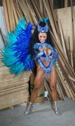 """A Nenê vai mostrar o enredo """"Apresenta Seu Musical: Rainha Raia Nas Asas do Carnaval"""" no desfile na sexta, dia 5 de fevereiro, às 3h35"""