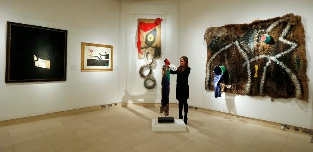 Parte da coleção do artista espanhol Joan Miró, que motivou polêmica em Portugal - Suzanne Plunkett/Reuters