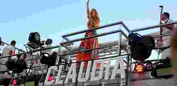 Claudia Leitte não descansa. A cantora já está de volta ao trio elétrico de Salvador