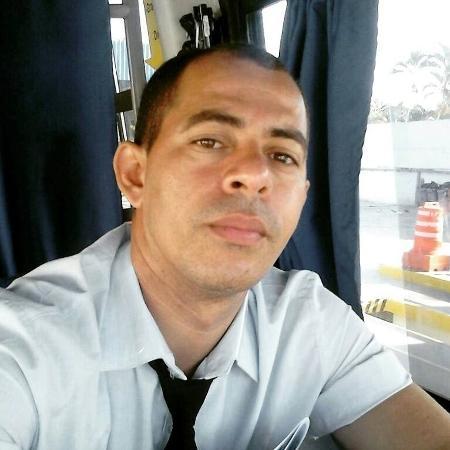 Michel Costa criou um grupo para ajudar os passageiros - Reprodução/Facebook