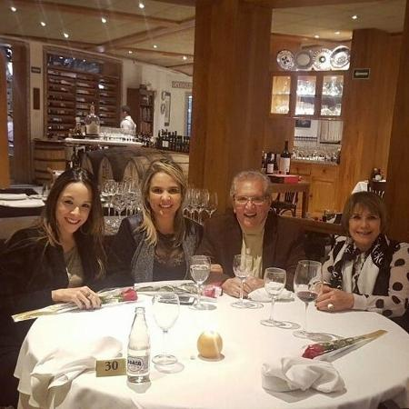 Carlos Alberto de Nóbrega comemora um ano de namoro com Renata Domingues no local onde se conheceram - Reprodução/Instagram/calbertonobrega