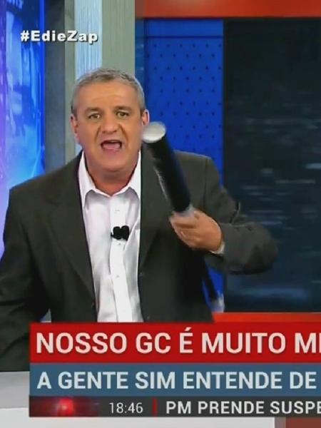 """Edie Polo é o apresentador do """"Denúncia Urgente"""" - Reprodução/RedeTV!"""