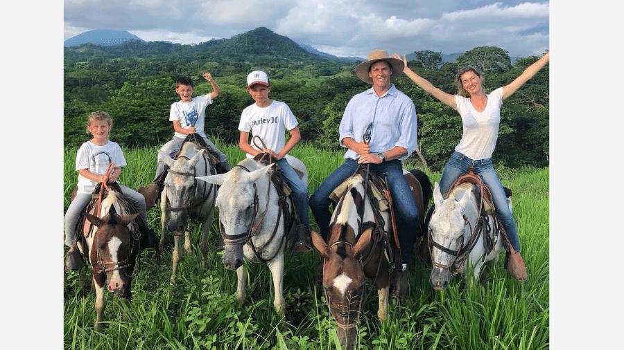 Tom Brady e Gisele Bündchen com os filhos - Reprodução/Instagram