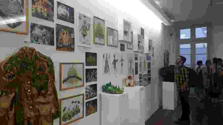 Exposição em homenagem a Rosa Magalhães lembra diversos momentos de sua carreira - Divulgação