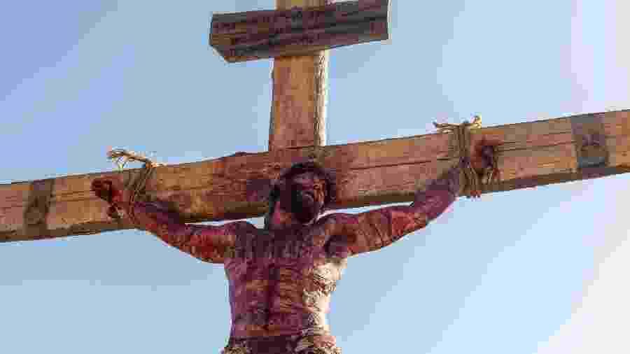 Jesus morre na cruz em novela da Record  - Edu Moraes/Divulgação/TV Record