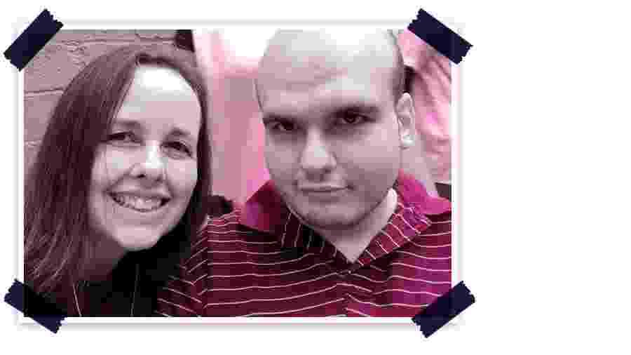 Gabriel, 24 anos, que tem autismo severo, ao lado da mãe, Sandra - Arquivo Pessoal/Arte UOL