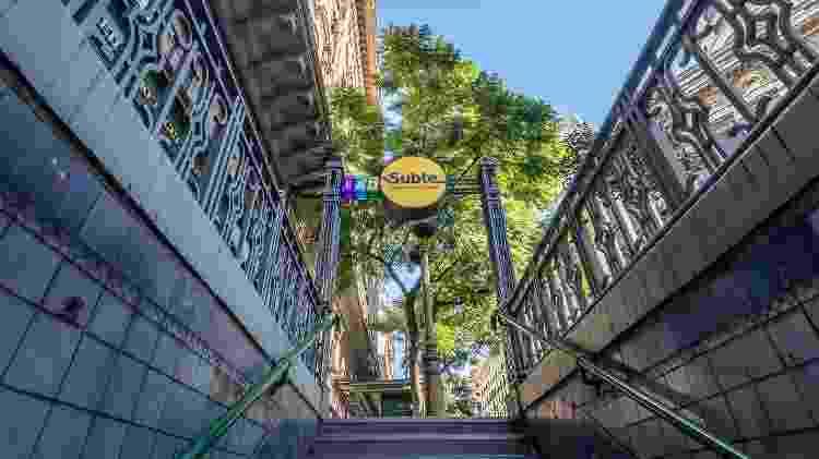 """O metrô de Buenos Aires é chamado """"subte"""" e tem seis linhas que cortam a cidade - iStock"""