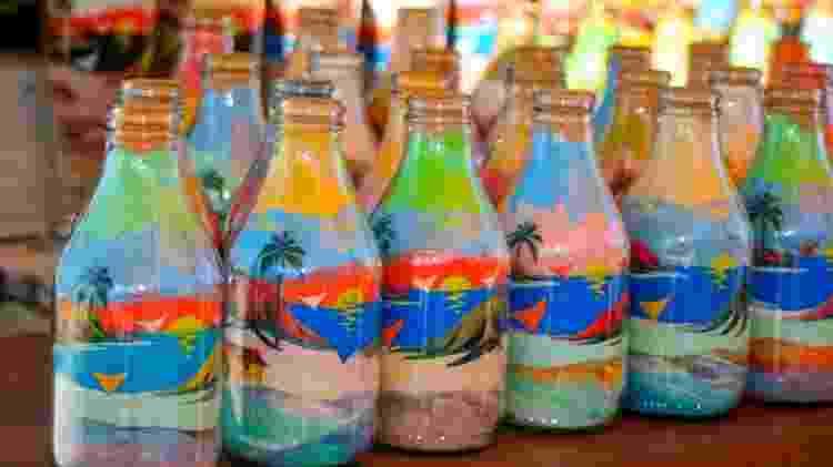 Silicogravuras são artesanatos feitas com areia - Ana Paula Hirama/CreativeCommons