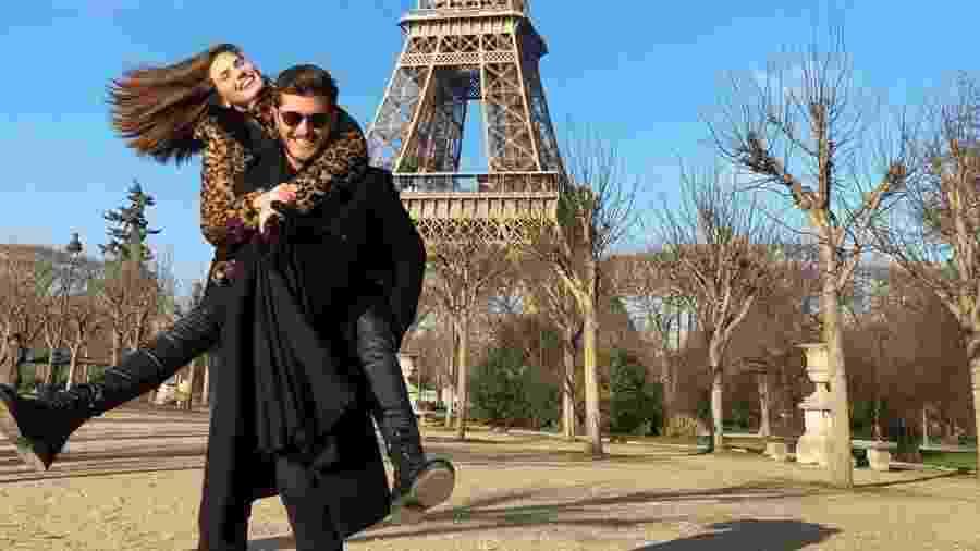Camila Queiroz e Klebber Toledo em Paris - Reprodução/ Instagram