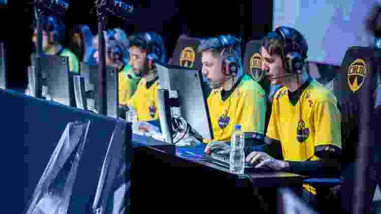 A Vivo Keyd diminuiu a interação entre os funcionários administrativos e os cyber-atletas - Divulgação/Riot Games