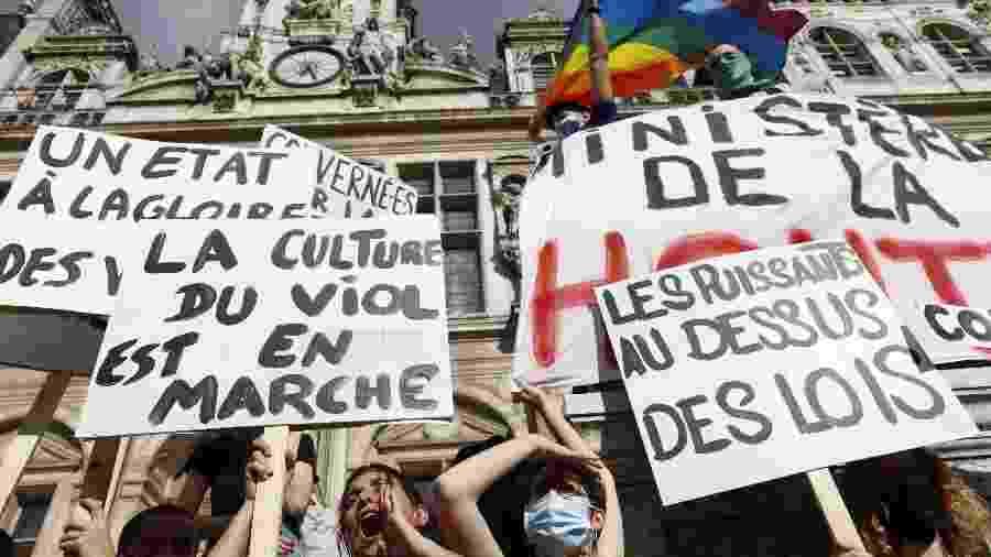 Manifestantes protestam contra nomeação do ministro do Interior da França, acusado de estupro e assédio - Getty Images