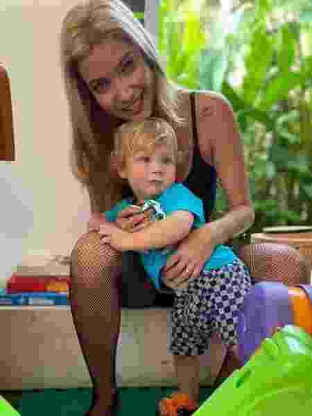 Luiza Possi em momento com o filho Lucca - Reprodução/Instagram @luizapossi