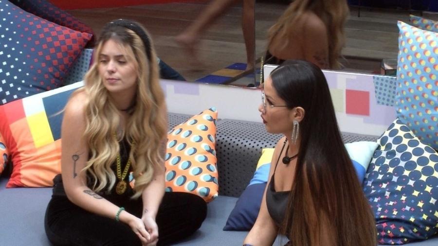 BBB 21: Viih Tube e Juliette conversam na sala - Reprodução/Globoplay