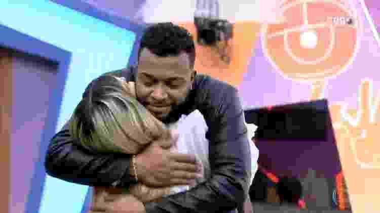 BBB 21: Viih Tube e Nego Di se abraçam - Reprodução/TV Globo - Reprodução/TV Globo