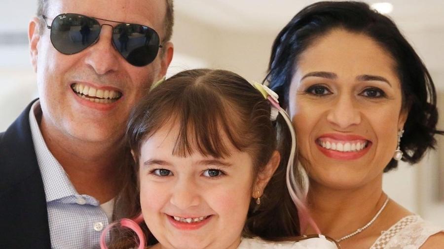 Dudu Braga ao lado da mulher, Valeska Braga, e da filha Laura - Reprodução/Instagram