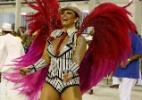 Viviane Araújo brilha durante desfile do Salgueiro no sábado das Campeãs - MARCELO DE JESUS / UOL