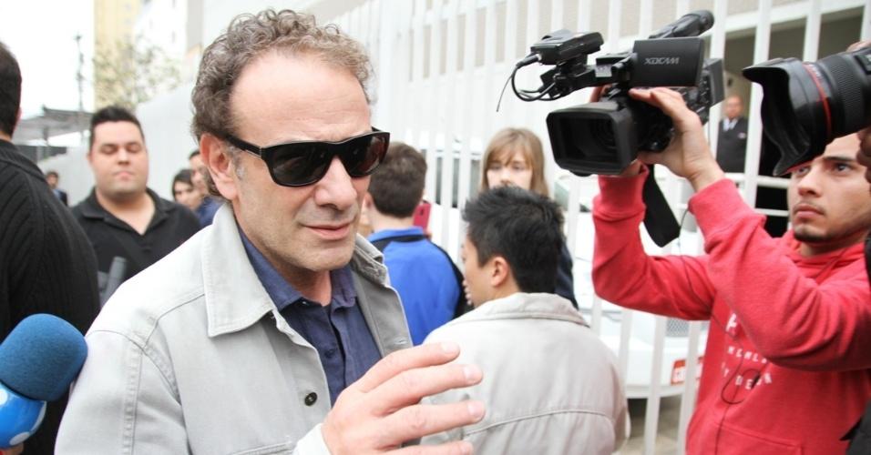 17.set.2016 - O ator Marco Ricca chega ao velório do ator Domingos Montagner
