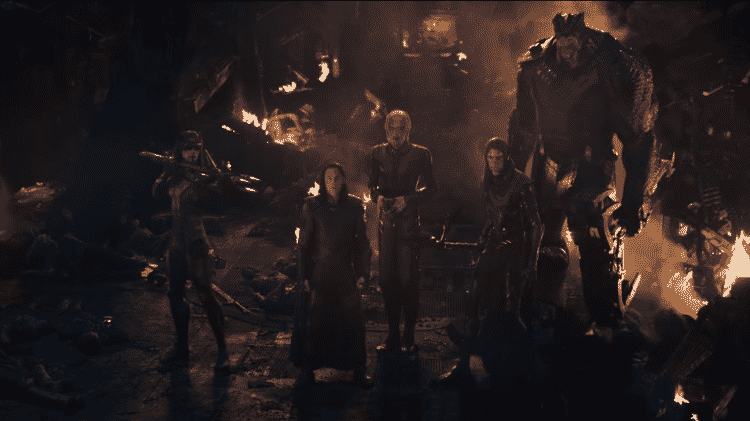 """Loki ao lado da Ordem Negra em cena de """"Vingadores: Guerra Infinita"""" - Reprodução - Reprodução"""