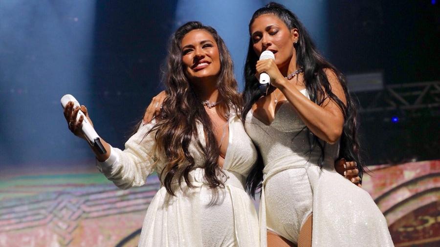 Simone e Simaria cantando em agosto, no show no Espaço das Américas, em São Paulo, na volta de Simaria aos palcos - Mariana Pekin/UOL