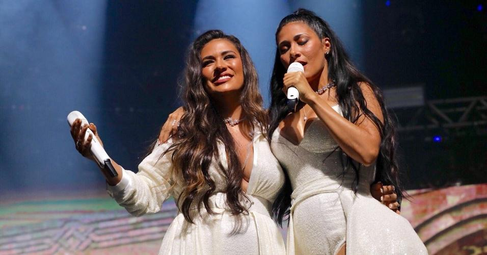 Simone e Simaria cantam em show no Espaço das Américas, em São Paulo, na volta de Simaria aos palcos