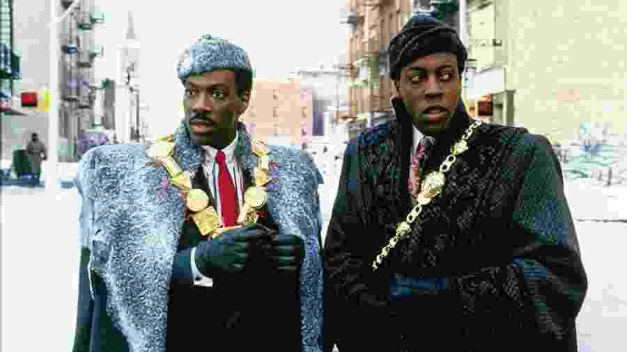 """Eddie Murphy e Arsenio Hall em """"Um Príncipe em Nova York"""" (1988) - Divulgação"""