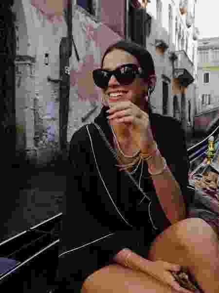 Bruna Marquezine durante passeio de gôndola  - Reprodução/Instagram