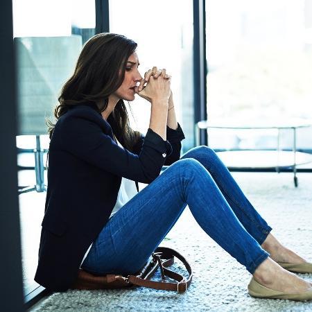 Medo e preocupação excessiva são alguns dos sintomas mais comuns - Istock