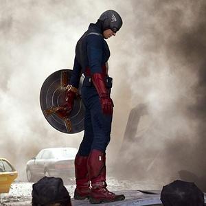 """Chris Evans como o Capitão América em """"Os Vingadores"""""""