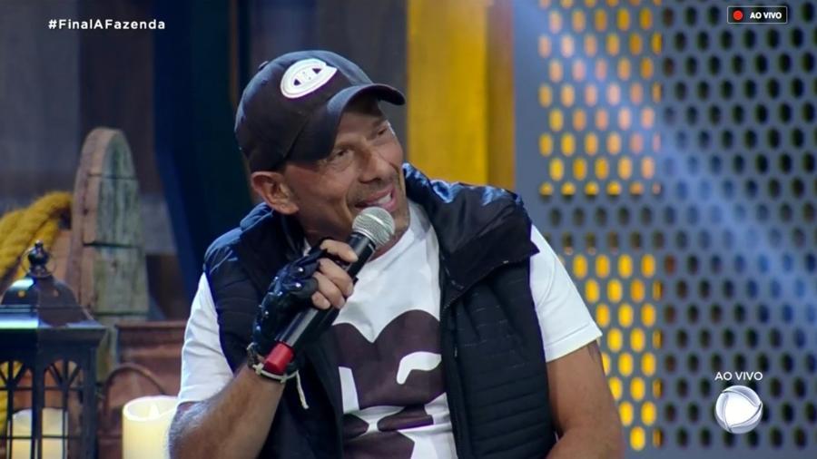 Rafael Ilha durante a grande final de A Fazenda 10 - Reprodução/RecordTV