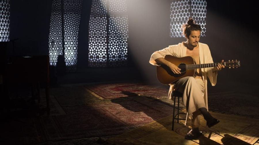 Tiago Iorc grava o especial Acústico MTV em um estúdio de São Paulo - Divulgação/MTV/Marcos Hermes