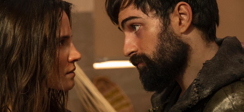 """Micheli (Bianca Comparato) e Rafael (Rodolfo Valente) em cena de """"3%"""" - Pedro Saad/Netflix"""