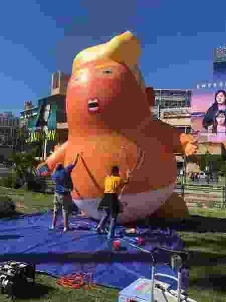 """O balão do """"bebê Trump"""" prestes a voar sobre a Comic-Con - Divulgação/CBR"""
