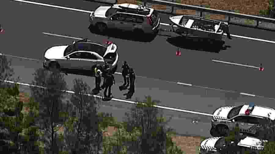 O grupo é suspeito de roubar uma Mercedes, uma Bentley Jaguar e uma BMW em um único dia - Reprodução/9News Austrália