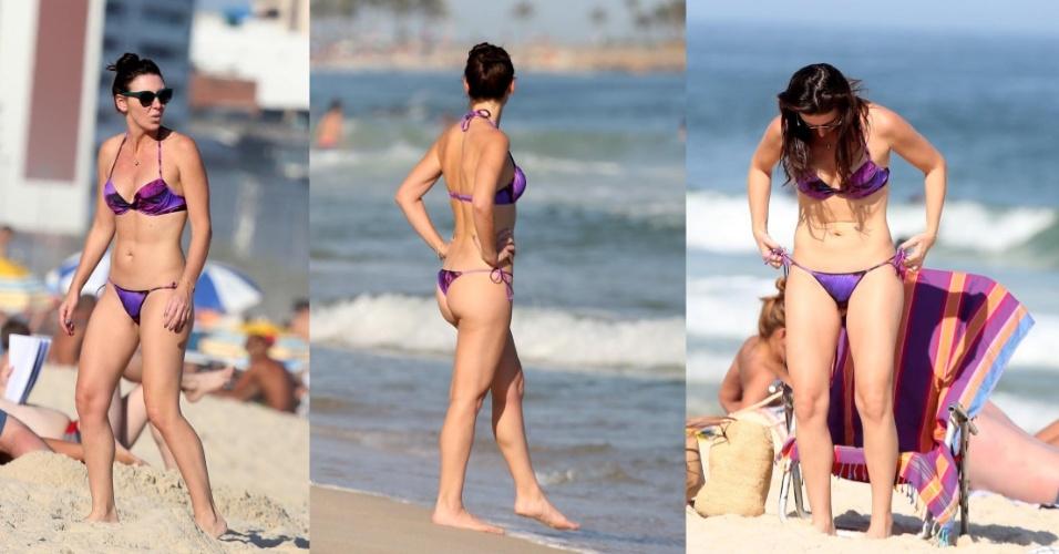 31.ago.2015- Aos 41, Glenda Kozlowski prova que está com tudo em cima ao ser flagrada na praia de Ipanema usando biquíni de lacinho