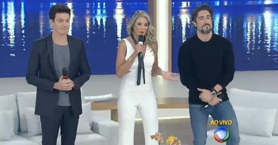 Rodrigo Faro apresenta com Ticiane Pinheiro e Marcos Mion o programa de Xuxa, que precisou ser substituída em razão da morte de seu irmão