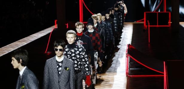 4a26e72fc71 Desfile da coleção masculina da Dior na Semana de Moda de Paris Imagem  AFP